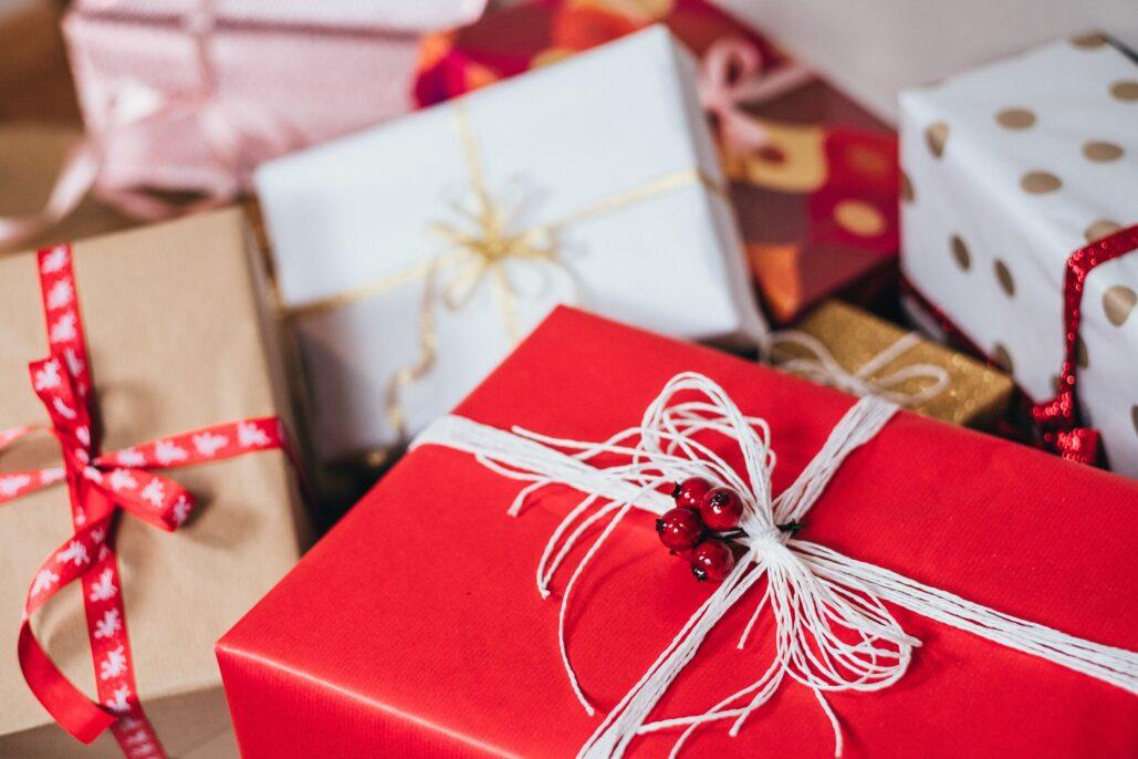 scatole e regali di natale